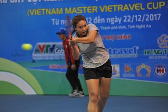 Tiffany Linh Nguyễn lần đầu tiên vô địch ở tuổi 17.