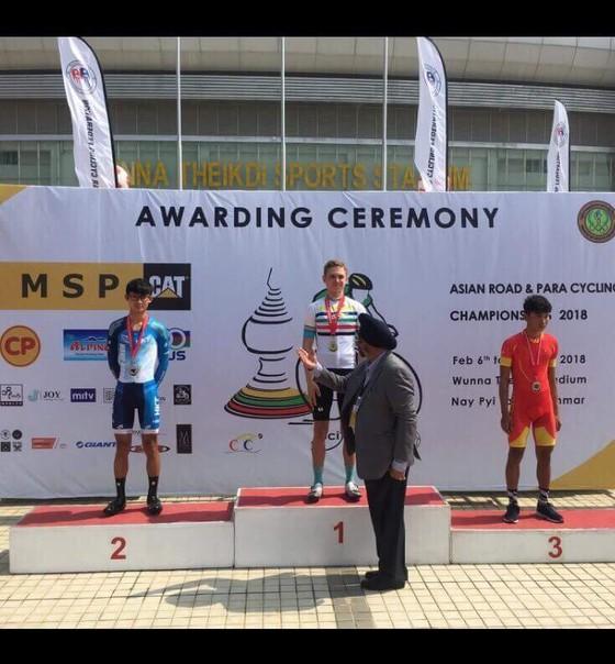 Huỳnh Minh Nghĩa giành huy chương đồng xe đạp trẻ châu Á ảnh 1