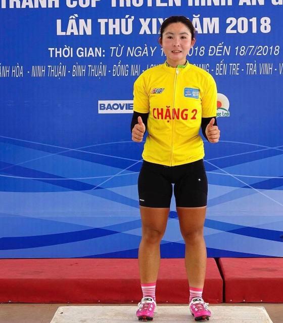 Tay đua trẻ Thu Mai tiếp tục giữ áo vàng