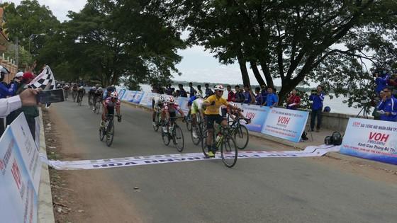 Pha ăn mừng chiến thắng của Lê Nguyệt MInh.