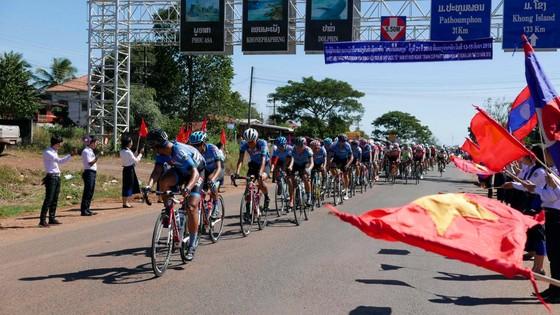 Các tay đua Đồng Nai đang chủ động trên đường chạy.