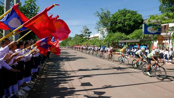 Giải xe đạp Nam Kỳ Khởi Nghĩa 2018: Lê Nguyệt Minh bất ngờ thắng chặng leo đèo ảnh 1