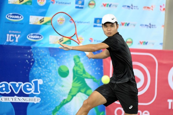Tài năng trẻ 17 tuổi Nguyễn Văn Phương vô địch giải quần vợt các tay vợt xuất sắc ảnh 1