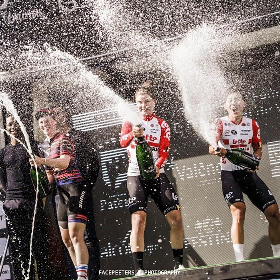 Nguyễn Thị Thật về hạng ba giải xe đạp tại Tây Ban Nha trong lần đầu khoác áo CLB nước ngoài  ảnh 1