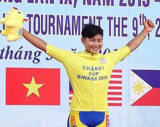Tay đua Jutatip là ứng viên sáng giá cho chiếc áo xanh.