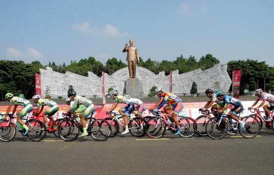 Cúp xe đạp Truyền hình: Lê Nguyệt Minh lần thứ 4 thắng chặng ảnh 1