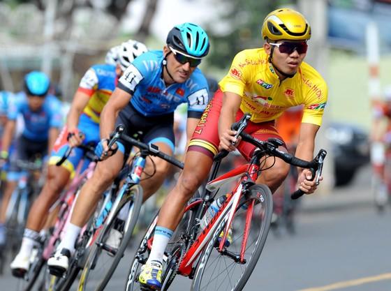 Cúp xe đạp Truyền hình: Lê Nguyệt Minh lần thứ 4 thắng chặng ảnh 2
