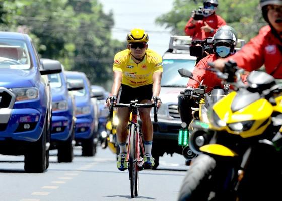 Cúp xe đạp Truyền hình: Nguyễn Thành Tâm chiến thắng trong gang tấc ảnh 2