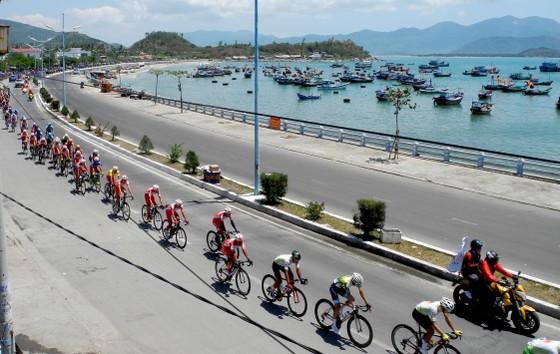 Cúp xe đạp Truyền hình: Nguyễn Thành Tâm lần thứ 3 thắng chặng ảnh 2