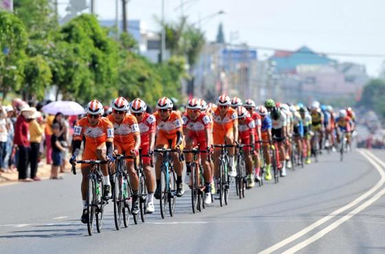 Cúp xe đạp Truyền hình: Lê Nguyệt Minh lần thứ 5 thắng chặng ảnh 1