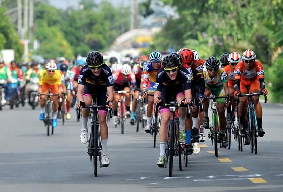 Giải xe đạp Về Nông Thôn: Endenrbat độc diễn ngoạn mục lật đổ áo vàng ảnh 1
