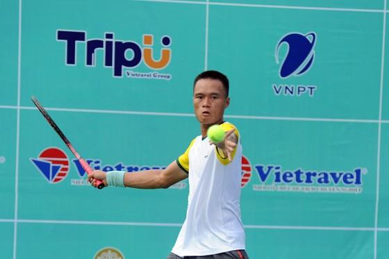 Tay vợt Phạm Minh Tuấn
