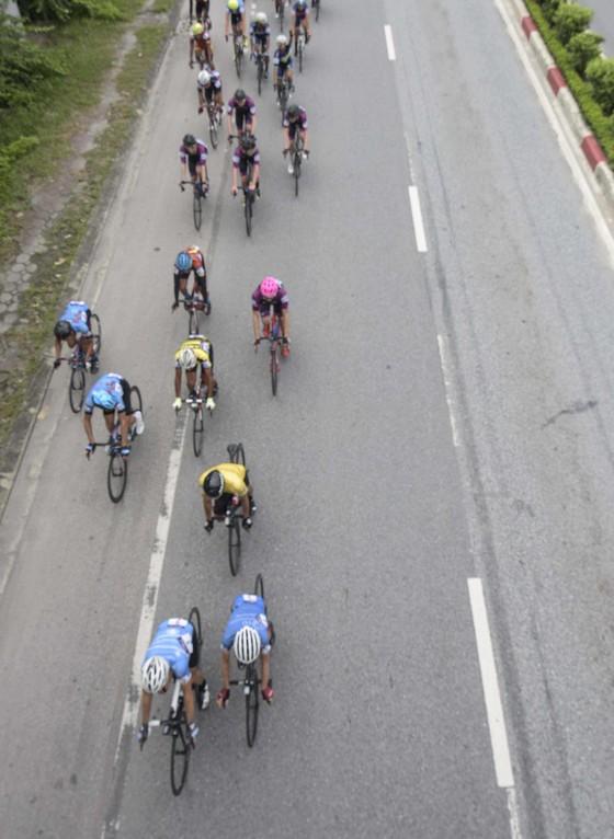 Giải xe đạp quốc tế VTV Cúp: Cú đẩy xe chiến thắng tuyệt vời của Jordan Parra   ảnh 1