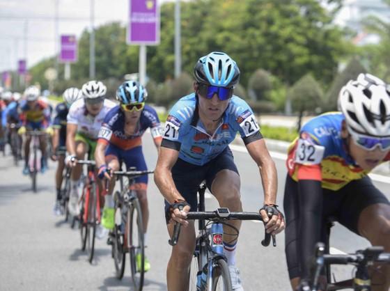 Giải xe đạp quốc tế VTV Cúp: Loic lấy lại áo vàng giúp Bike Life Đồng Nai thắng lớn ảnh 4