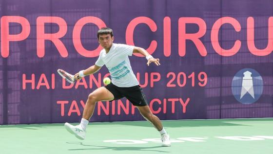 Lý Hoàng Nam thẳng tiến vào tứ kết giải quần vợt ITF World Tour  ảnh 1