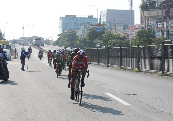 Javier tấn công chiếc áo vàng chung cuộc giải xe đạp VOH ảnh 2