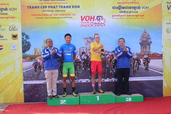 """Giải xe đạp VOH: VUS TPHCM bắt đầu """"đánh"""" Áo xanh cho Lê Nguyệt Minh ảnh 2"""