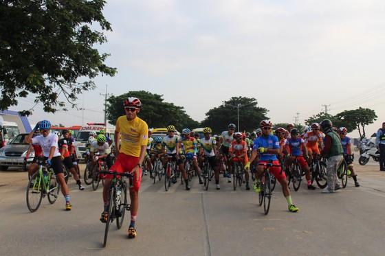 Giải xe đạp VOH: Nguyễn Thanh Hiền lần đầu tiên thắng chặng ảnh 2