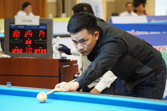 Cơ thủ Nguyễn Phương Linh chơi xuất sắc nhất vòng 3 giải Bida 3 băng thế giới ảnh 1