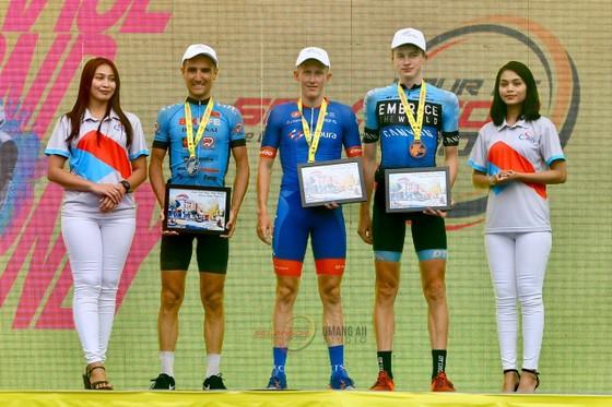 Áo vàng Culey quá mạnh, Bike Life Đồng Nai vẫn đứng nhì sau 3 chặng giải xe đạp Selangor  ảnh 2