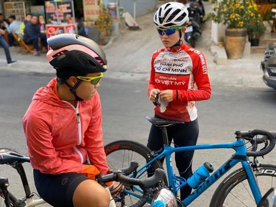 """Người đẹp Phạm Loan """"tự do"""" chuyển về TPHCM dự giải xe đạp nữ quốc tế Biwase ảnh 1"""