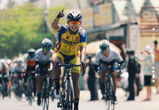 """Bình Dương và An Giang """"canh chừng"""" nhau, Thái Lan xé Áo vàng giải xe đạp nữ Biwase ảnh 2"""