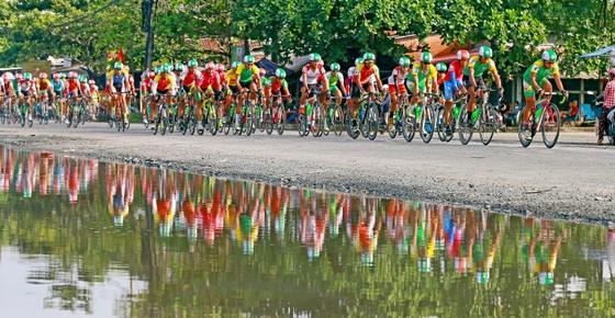 """Giải xe đạp """"Về Nông Thôn"""" vỡ kế hoạch vì dịch Covid-19 ảnh 1"""