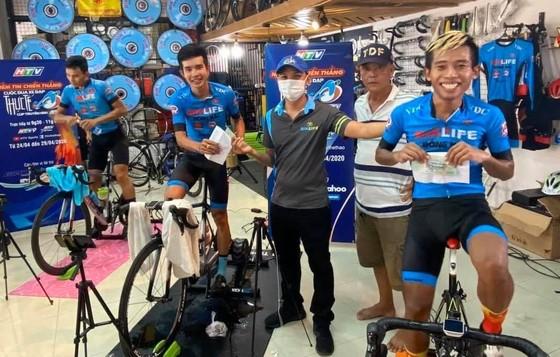 HTV tổ chức cuộc đua xe đạp đầy thú vị trong những ngày chống dịch Covid-19 ảnh 1