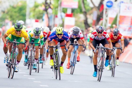 Cuộc đua xe đạp Cúp Truyền hình được tổ chức trở lại.