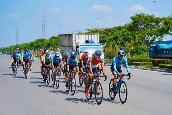 Nhiều đội lên đường tập huấn chuẩn bị cho Giải xe đạp Cúp Truyền hình TPHCM ảnh 2