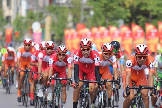 Nguyễn Tấn Hoài thắng chặng mở màn cuộc đua xe đạp Cúp Truyền hình TPHCM ảnh 1