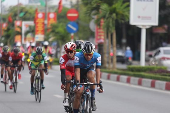 Võ Thanh An vượt nắng nóng 37 độ C để xé áo vàng Cúp xe đạp Truyền hình TPHCM ảnh 1