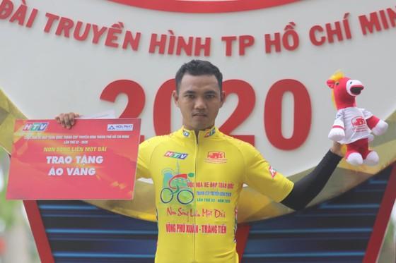 """Lê Nguyệt Minh """"giải hạn"""" về nhất chặng 4 Cúp xe đạp Truyền hình TPHCM ảnh 2"""