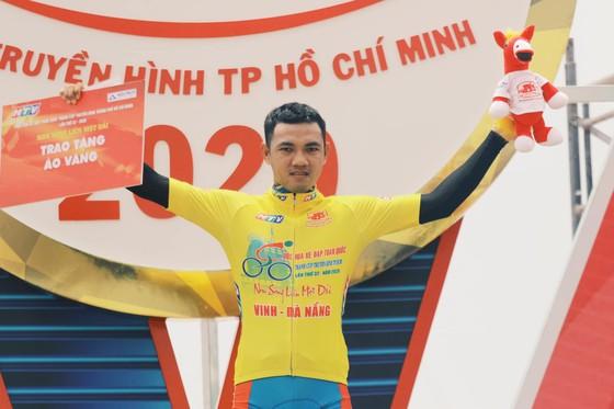 Nguyễn Hoàng Giang gian nan về nhất chặng đèo Cúp xe đạp Truyền hình TPHCM ảnh 3