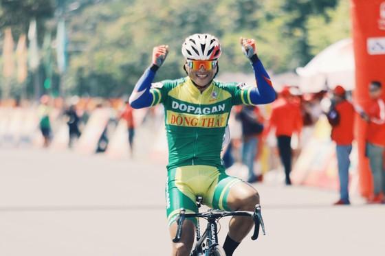 Lê Nguyệt Minh và 40 tay đua khác bị loại khỏi cuộc tranh chấp Cúp xe đạp Truyền hình TPHCM ảnh 1
