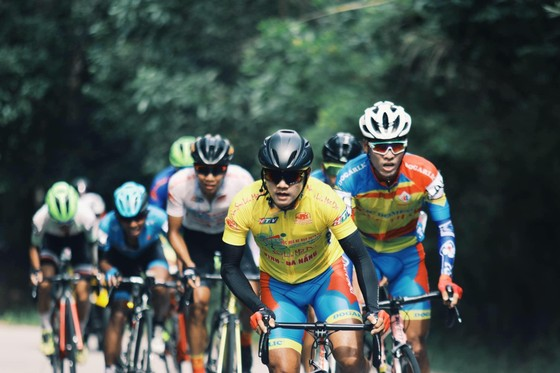 Các đội mạnh tạm đình chiến trong chặng 8 Cúp xe đạp Truyền hình TPHCM ảnh 1