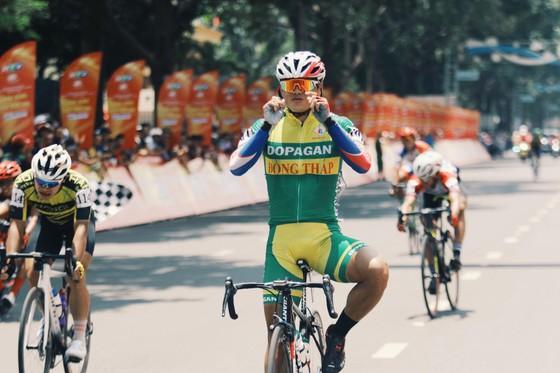 Niềm vui chiến thắng của Trần Tuấn Kiệt.