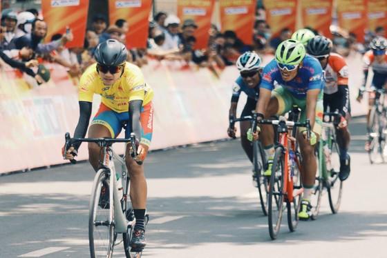Tay đua Trần Tuấn Kiệt lần thứ 2 thắng chặng Cúp xe đạp Truyền hình TPHCM ảnh 2