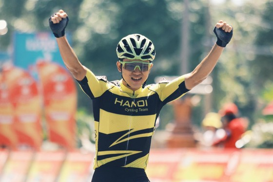 Chiến thắng đầu tiên của Ngô Văn Phương trong màu áo Hà Nội tại Cúp Truyền hình.