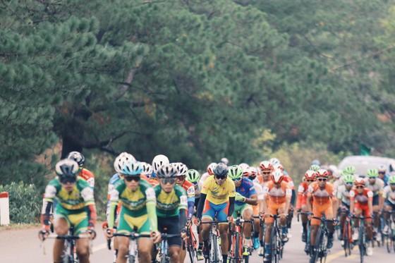 """Hai đội TPHCM và Đồng Nai suýt """"ẩu đả"""" tại chặng 12 Cúp xe đạp Truyền hình TPHCM ảnh 2"""