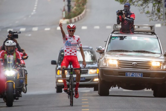 TPHCM thắng lớn ở chặng đua quyết định Cúp xe đạp Truyền hình TPHCM ảnh 3
