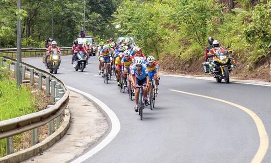 TPHCM thắng lớn ở chặng đua quyết định Cúp xe đạp Truyền hình TPHCM ảnh 1