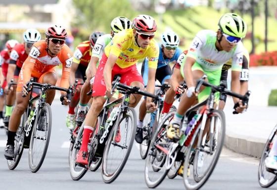 Nguyễn Tấn Hoài giành vị trí thứ 2 ở Cúp xe đạp Truyền hình TPHCM ảnh 3