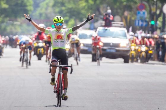 Đội TPHCM đại thắng ở cuộc đua xe đạp Cúp Truyền hình TPHCM ảnh 2