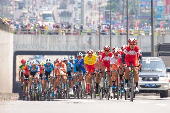 Đội TPHCM đại thắng ở cuộc đua xe đạp Cúp Truyền hình TPHCM ảnh 1