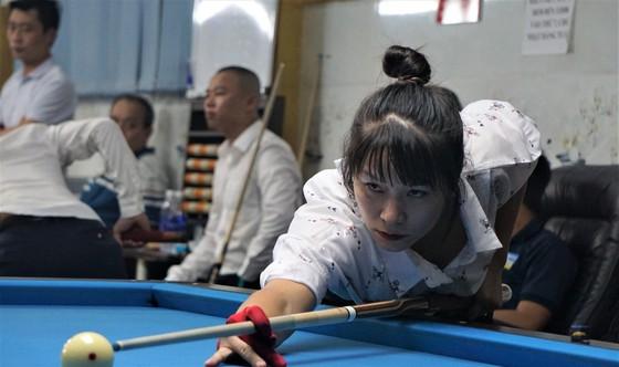 """""""Người đẹp"""" Nguyễn Hoàng Yến Nhi lọt vào vòng 64 giải Billiards Miền Trung Tây Nguyên ảnh 1"""
