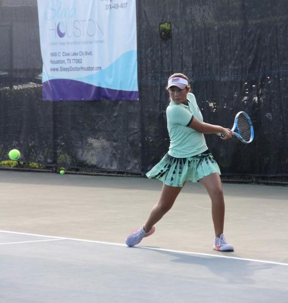 """Tay vợt Ngọc Nhi gây """"sốc"""": Không thua game nào ở giải quần vợt U14 tại Mỹ  ảnh 1"""