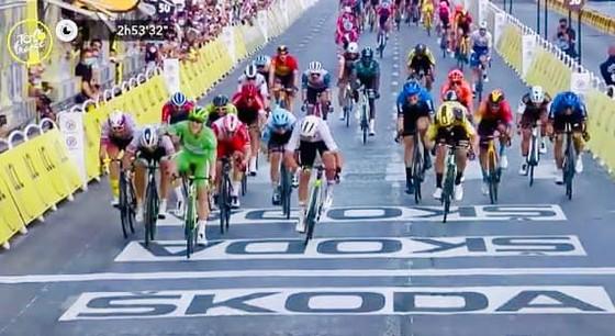 Tour de France 2020: Tân Áo vàng Tadej Pogacar, hành trình của một thiên tài đột phá ảnh 3