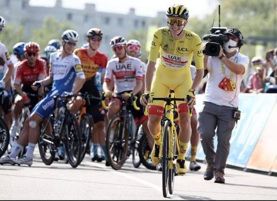 Tân Áo vàng Tour de France Tadej Pogacar muốn lấy vàng ở giải vô địch thế giới ảnh 1