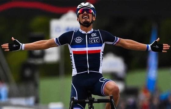 Julian Alaphilippe giúp người Pháp có HCV xe đạp thế giới sau 23 năm chờ đợi ảnh 1
